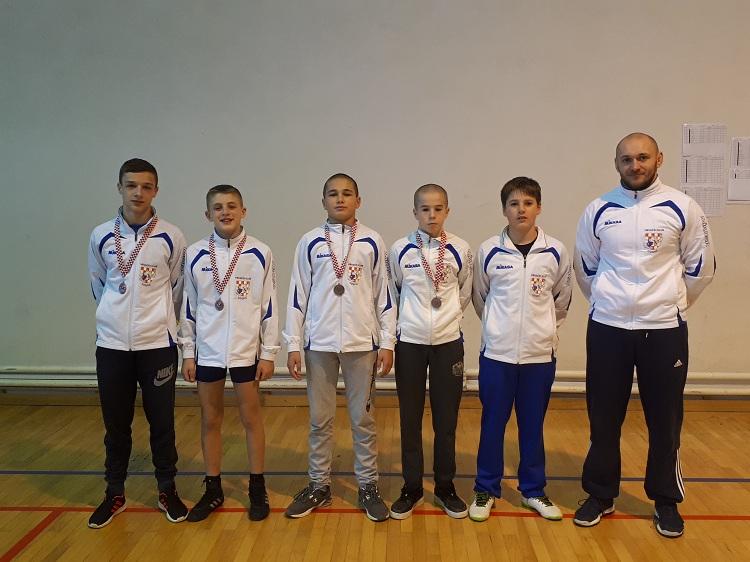 Zajednica sportova Ličko-senjske županije: Hrvačima 4 bronce na prvenstvu RH - stariji dječaci